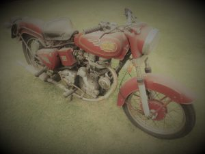 Royal_Enfield_Bullet_350_02