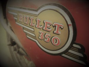 Royal_Enfield_Bullet_350_05